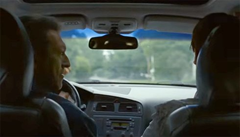 Antoine et Louis dans la voiture dans Juste la fin du monde